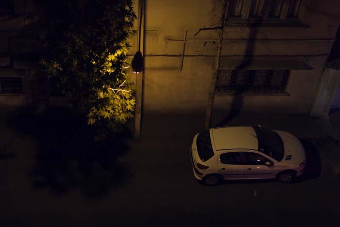 ادیت عکس raw لایت روم اندروید رضاصاد نمونه کار کوچه تاریک نور چراغ دراماتیک شب