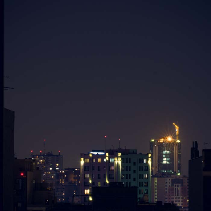 تهران در شب نور چراغ دراماتیک